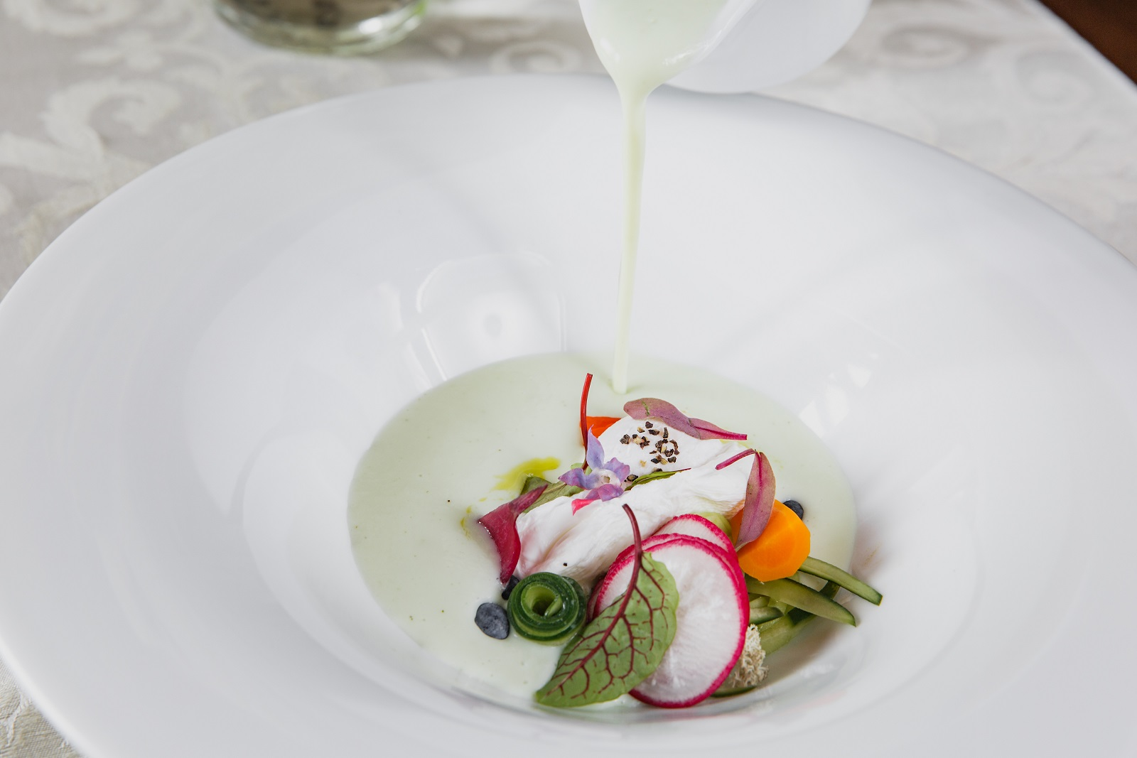 Restauracja Dwór Choiny – Jedzenie – Hotel