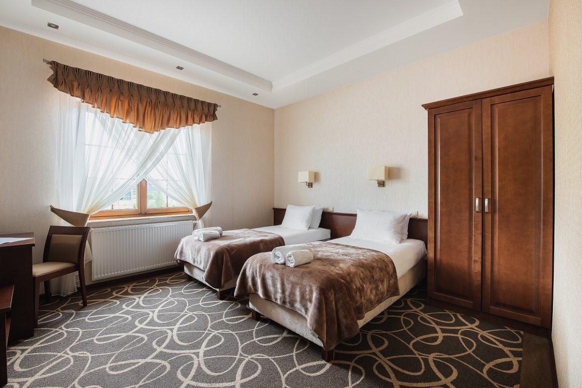 Hotel Świdnik - Lublin - Przyjęcia weselne - integracje - Hotel i Restauracja Dwór Choiny